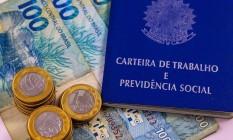 Carteira de trabalho: primeira rodada do BEm custou ao governo cerca de R$ 33 bilhões em 2020 Foto: CAMILA LIMA/FUTURA PRESS / Agência O Globo