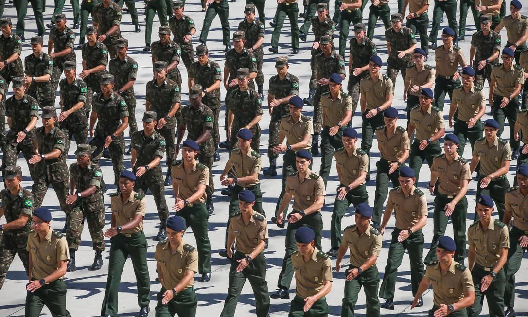 Oficiais do Exército na Academia Militar das Agulhas Negras, em Resende Foto: Marcelo Régua / Agência O Globo (31/05/2019)