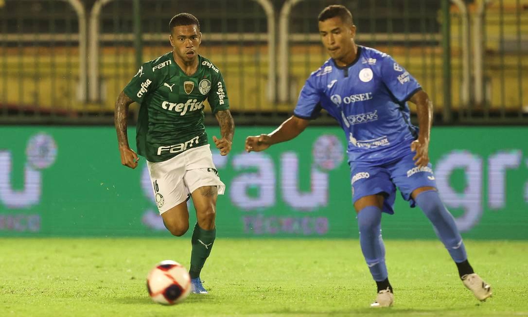 Palmeiras e São Bento se enfrentaram em Volta Redonda pelo Paulista por causa da proibição do futebol no estado de São Paulo Foto: Cesar Greco / Cesar Greco