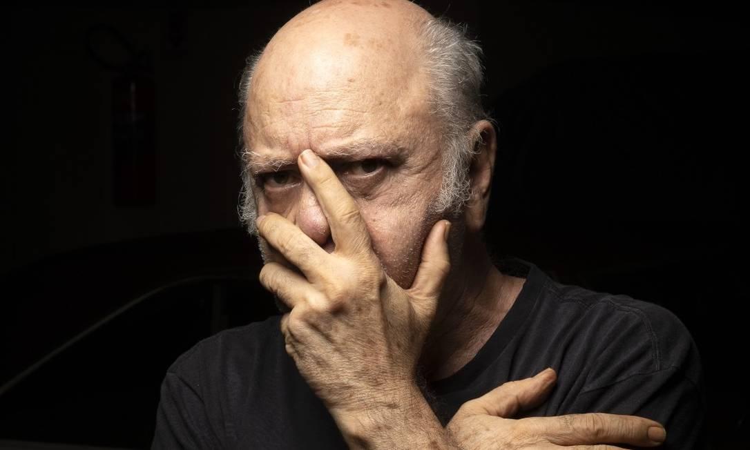 Tonico Pereira não decora texto e usa ponto eletrônico há 15 anos: 'Eu não interpreto, eu vivo' Foto: Leo Aversa / Agência O Globo