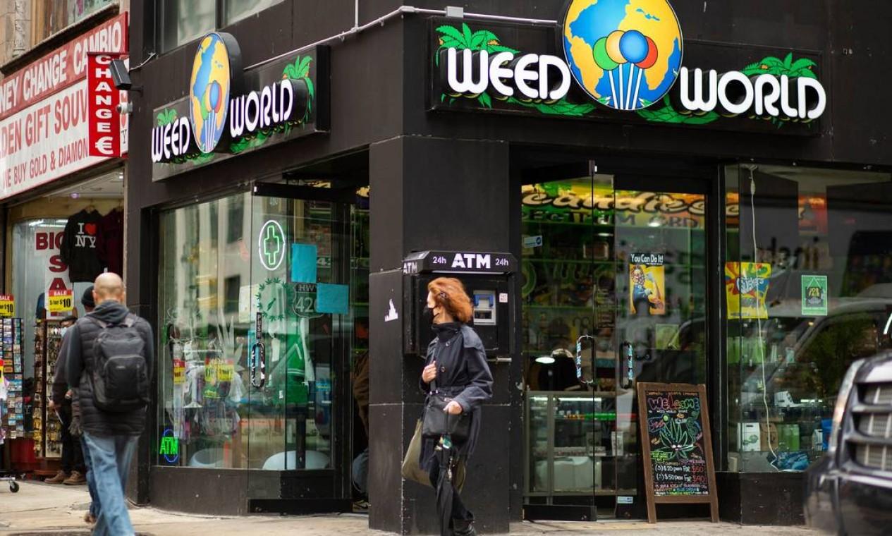 A legalização pode gerar US$ 350 milhões por ano em impostos e criar dezenas de milhares de empregos Foto: KENA BETANCUR / AFP