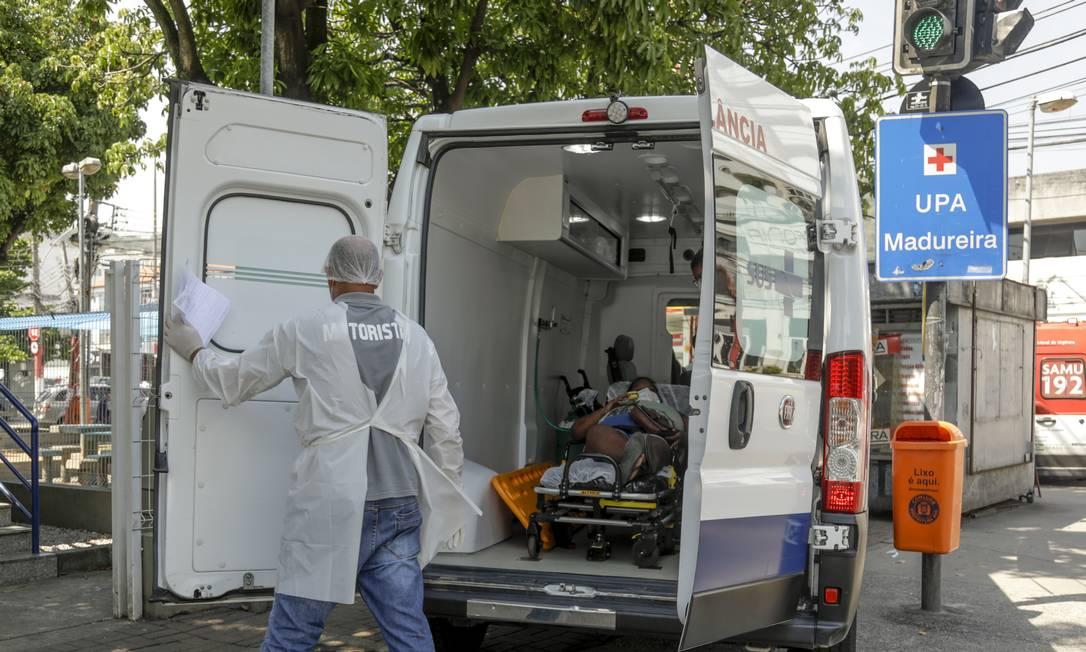 UPA de Madureira recebendo paciente em 29 de março de 2021 Foto: Gabriel de Paiva / Agência O Globo