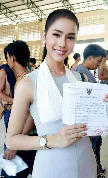 Acredita-se que cerca de 8% da população do país pertença à população LGBTQ, mas as leis tailandesas ainda impõem restrições aos seus direitos. Foto: ViralPress