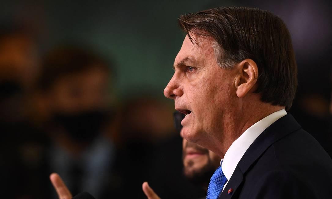 Bolsonaro sancionou a nova lei para contratações públicas Foto: EVARISTO SA / AFP