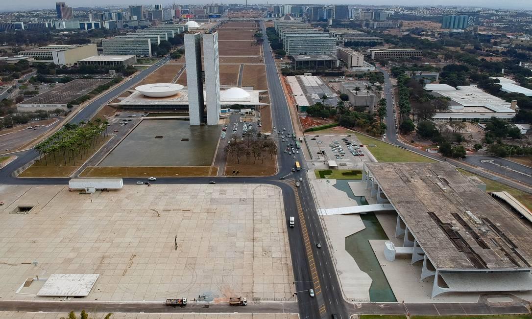 Deputados aprovam urgência para análise de proposta que barra supersalários Foto: Pablo Jacob / Agência O Globo
