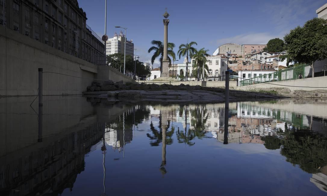 O Cais do Valongo está na lista de 21 bens culturais e naturais que são patrimônio mundial no Brasil, como o Centro Histórico de Olinda (PE) e a cidade de Ouro Preto (MG) Foto: Márcia Foletto / Agência O Globo