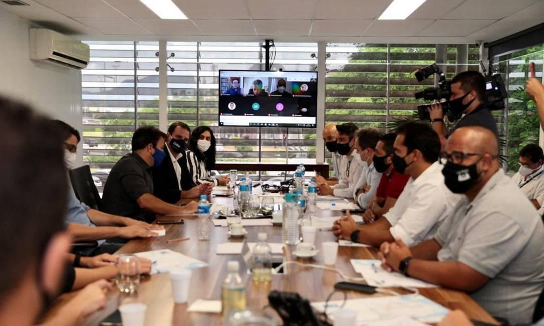 Foto da reunião de Paes com os vereadores Foto: Divulgação