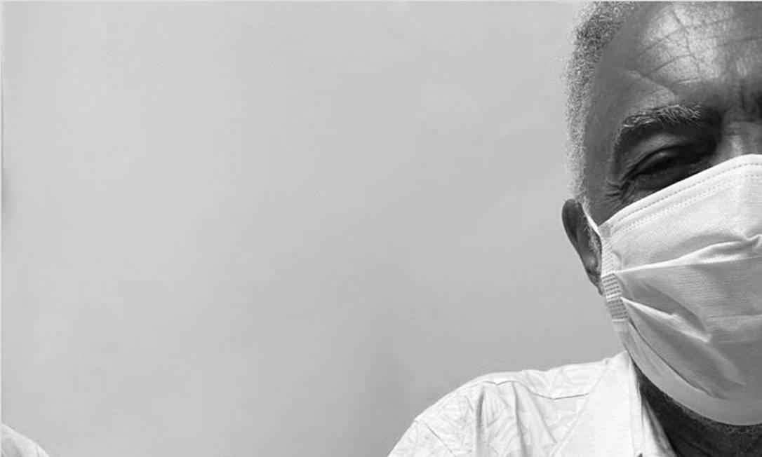 Gilberto Gil sendo imunizado contra a Covid-19 Foto: Reprodução
