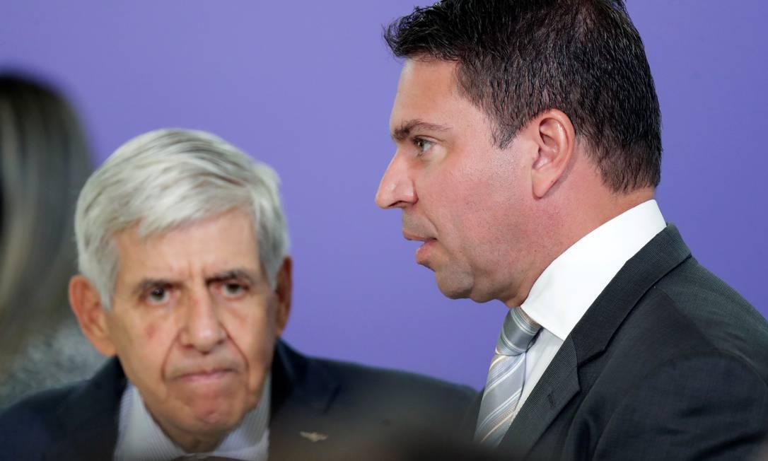 General Augusto Heleno, ministro do GSI, e Alexandre Ramagem, diretor da Abin Foto: Ueslei Marcelino/Reuters