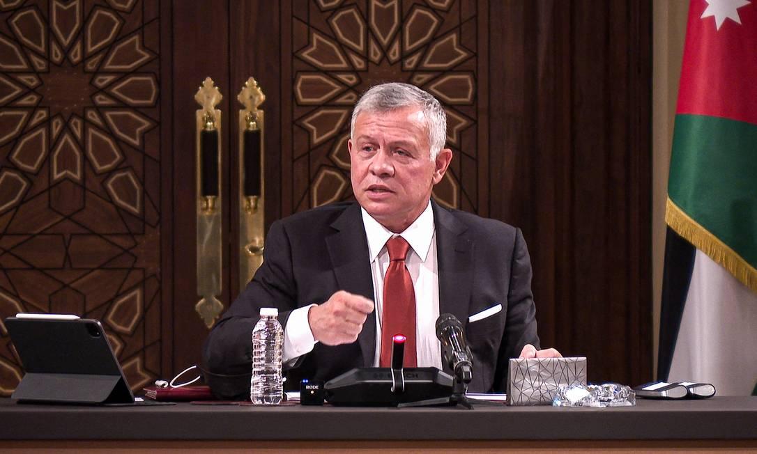 O rei da Jordânia, Abdullah II, discursa durante uma reunião com o presidente e chefes de vários comitês na Câmara dos Representantes na capital Amã Foto: - / AFP/23-03-2021