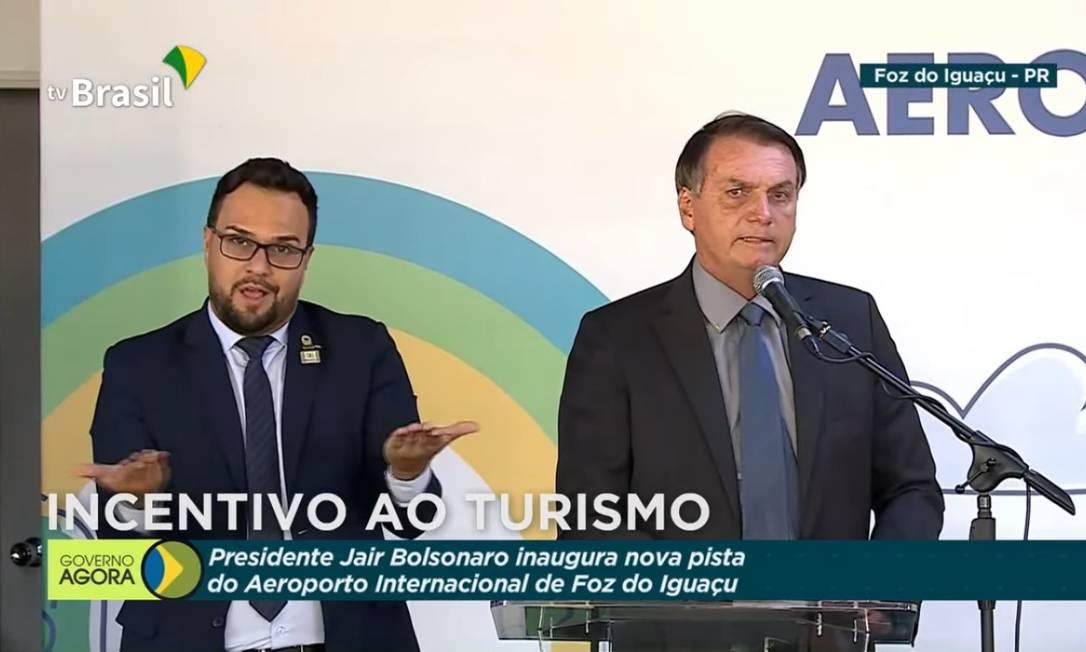 O presidente Bolsonaro em cerimônia de inauguração de obra no aeroporto de Foz do Iguaçu (PR) Foto: TV Brasil/ Divulgação