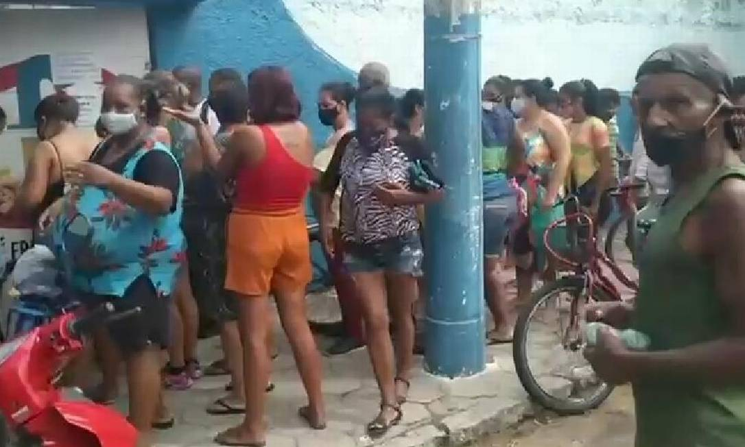 Escola em Campos registrou aglomeração e tumulto Foto: Reprodução