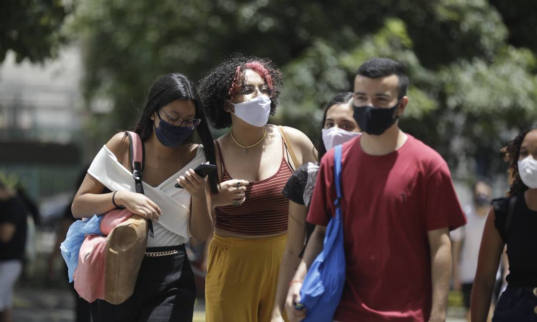Alunos fizeram Enem em meio à pandemia Foto: Gabriel de Paiva / Agência O Globo