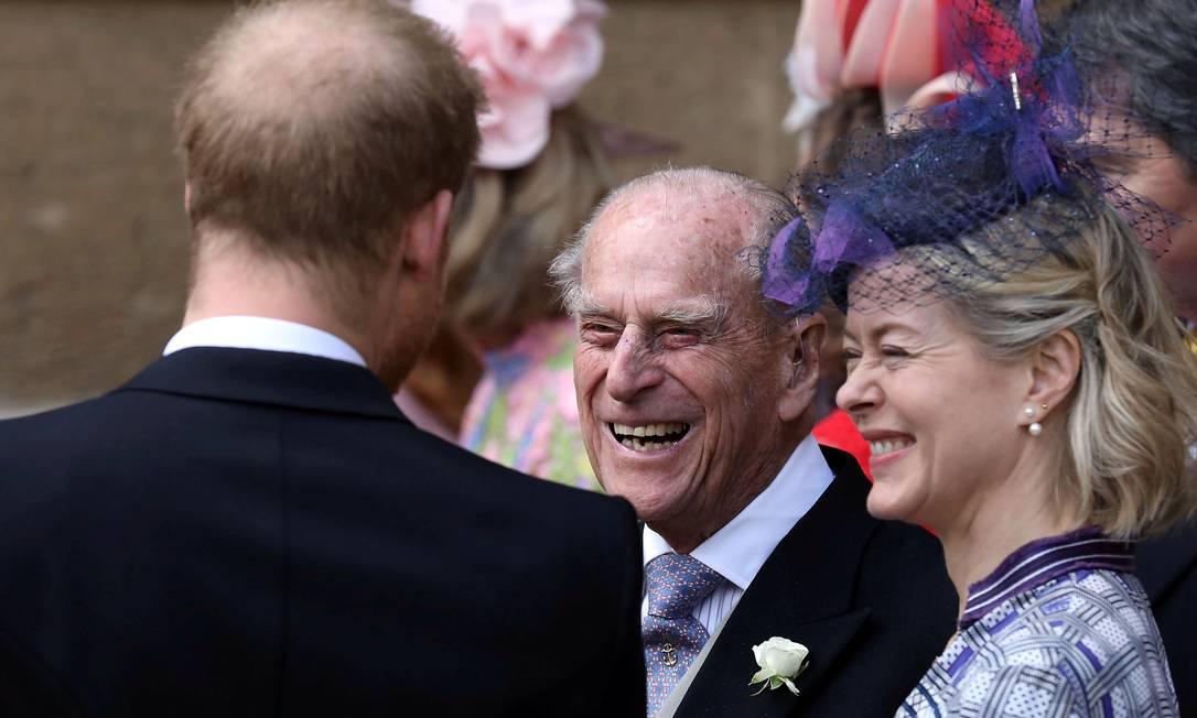 O príncipe Philip da Grã-Bretanha e o duque de Edimburgo falam com o príncipe Harry enquanto eles partem após o casamento de Lady Gabriella Windsor e Thomas Kingston na Capela de St George, no Castelo de Windsor, perto de Londres, Grã-Bretanha, 18 de maio de 2019 Foto: POOL New / REUTERS