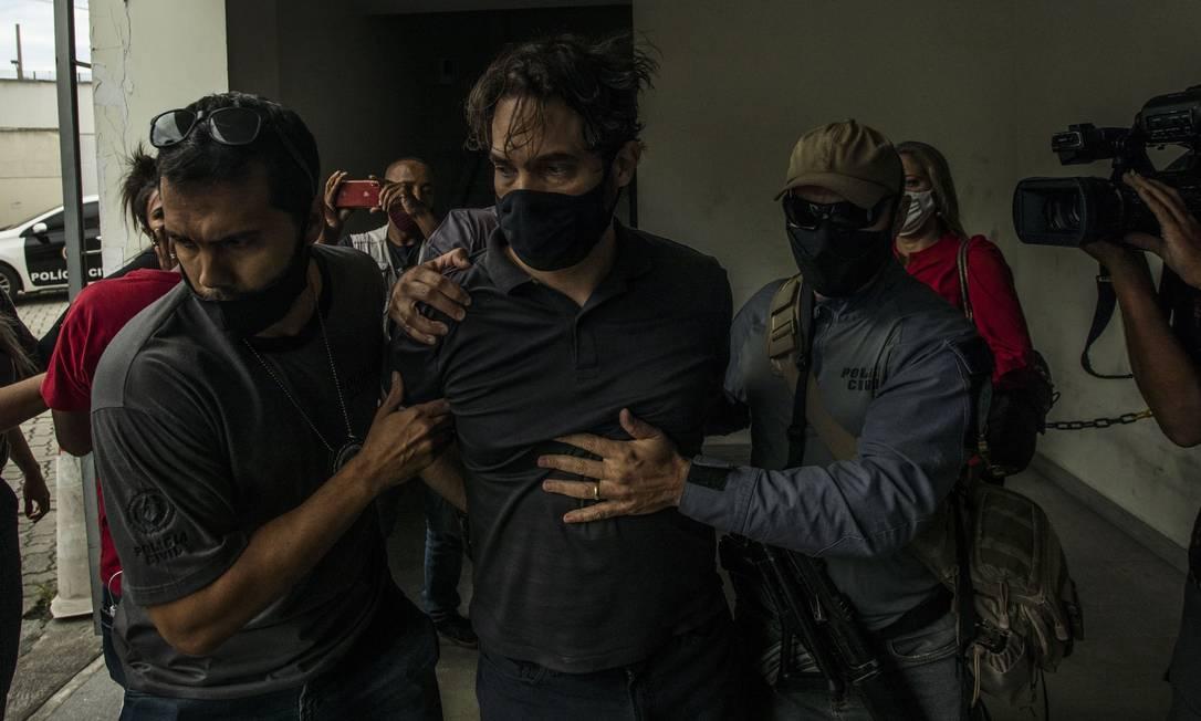 Dr. Jairinho, logo após ser preso Foto: Guito Moreto / Agência O Globo / 08-04-2021