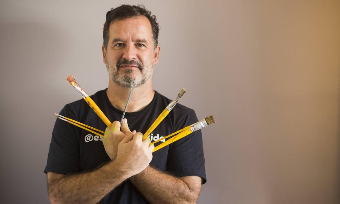 Guto Pedreira alterou totalmente a rotina após desenvolver mal de Parkinson precocemente Foto: Maria Isabel Oliveira / Agência O Globo