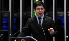 O senador Randolfe Rodrigues (Rede-AP), que faz oposição ao presidente Jair Bolsonaro Foto: Jefferson Rudy/ Agência Senado