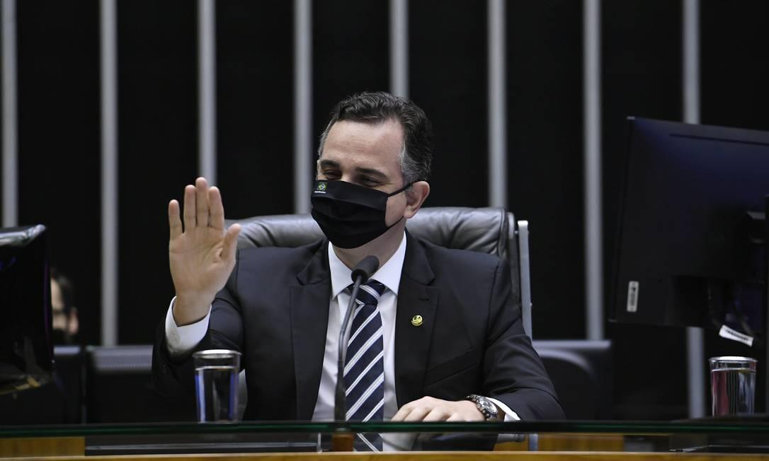"""O senador Rodrigo Pacheco (DEM-MG), presidente do Senado, jura que """"não moverá um milímetro para atrapalhar a CPI"""" Foto: Edilson Rodrigues / Agência O Globo"""
