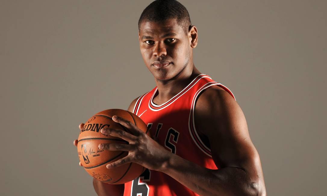 Felício é pivô da franquia de Chicago e da seleção brasileira Foto: Randy Belice / NBAE/Getty Images