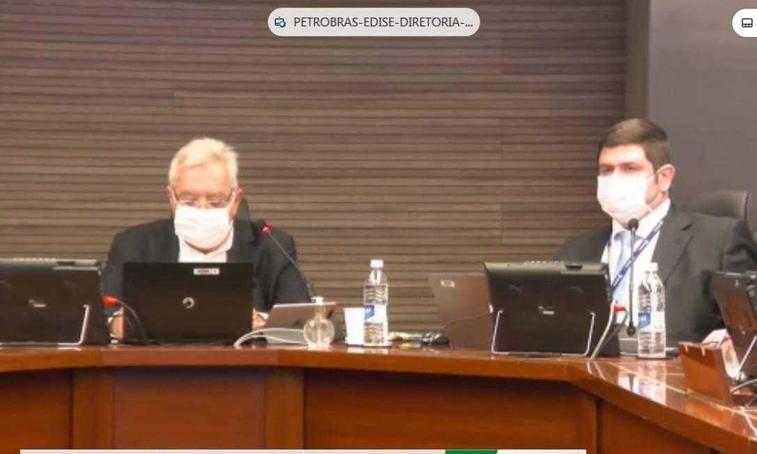 Assembleia virtual da Petrobras. Francisco da costa e Silva (esquerda) é o presidente da Assembleia. Foto: Reprodução/Bruno Rosa