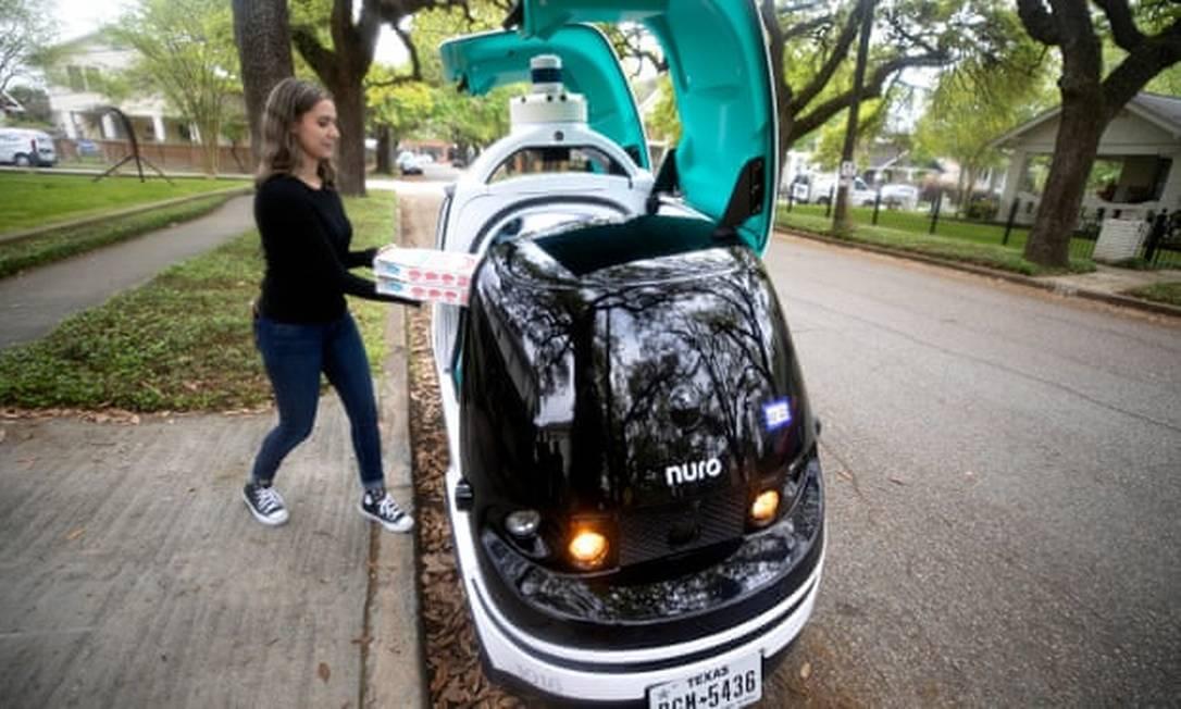 Veículo automatizado da Nuro vai entregar pizzas da Domino's em Houston, nos EUA Foto: Divulgação