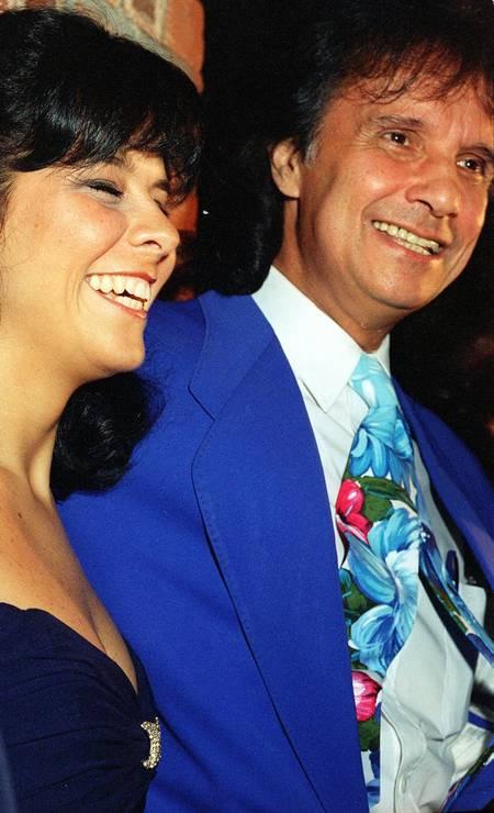 Roberto Carlos e a ex-esposa Maria Rita, com quem foi casado nos anos 90, juntos no show de Luciano Pavarotti Foto: Dadá Cardoso / Agência O Globo - 26/01/1995