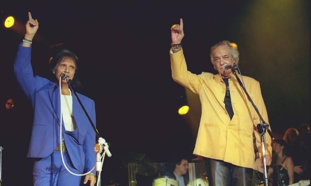 Roberto e Erasmos em apresentação no Prêmio Shell de 1997 Foto: Fernando Quevedo / Agência O Globo - 25/11/1997