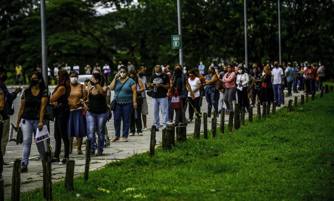 Profissionais da educação começaram a ser vacinados em São Paulo Foto: Lucas Lacaz Ruiz / A13 / Agência O Globo / Agência O Globo