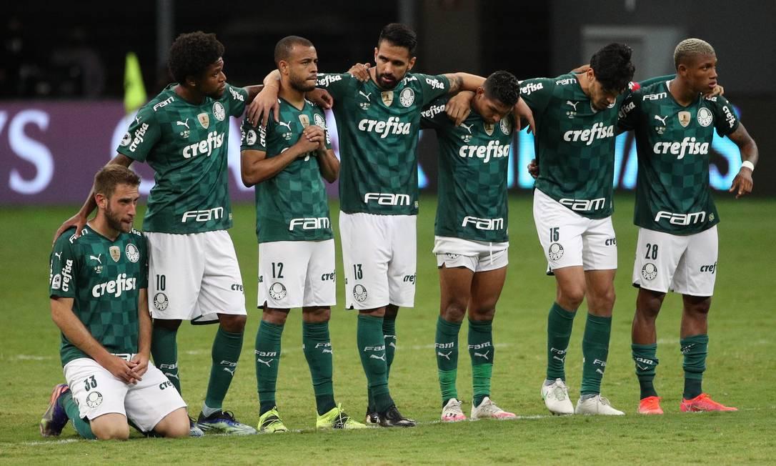 Jogadores do Palmeiras perderam outra disputa de pênaltis Foto: BUDA MENDES / Pool via REUTERS