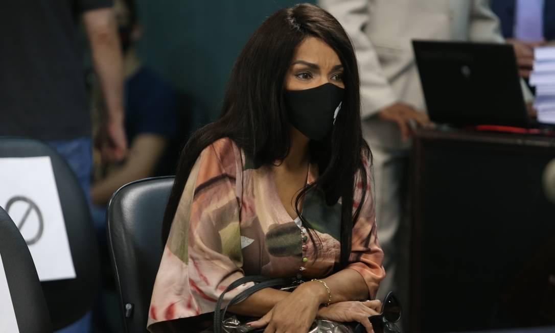 Flordelis durante audiência de processo no qual é ré Foto: Pedro Teixeira / Agência O Globo