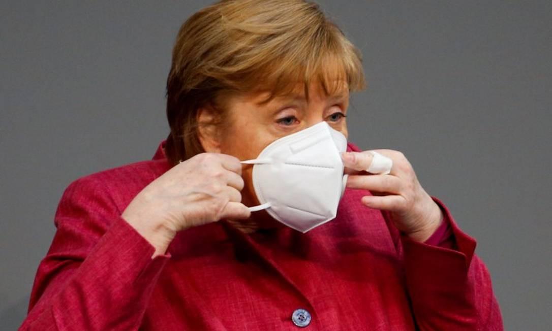 Chanceler alemã, Angela Merkel, durante sessão do Bundestag sobre a pandemia Foto: MICHELE TANTUSSI / REUTERS/16-4-21