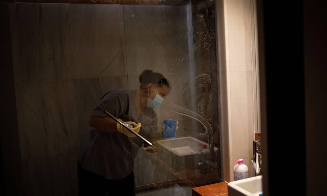Domésticas recorreram a sindicatos devido a jornadas sem folga durante a pandemia Foto: Getty Images