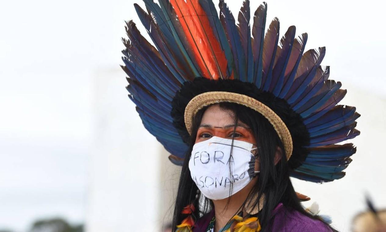Participantes usam máscara e todos, de acordo com os organizadores, já receberam as duas doses da vacina contra a Covid-19 — indígenas fazem parte dos grupos mais vulneráveis à pandemia Foto: EVARISTO SA / AFP