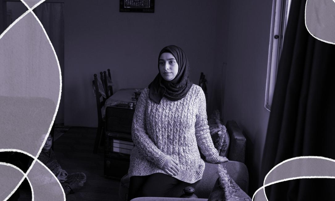 Marwa Alomari e seus filhos em casa, na cidade de Irbid, na Jordânia. Nos últimos dez anos, o país tem os piores resultados no relatório sobre desigualdade de gênero do Fórum econômico Mundial Foto: NADIA BSEISO/NYT