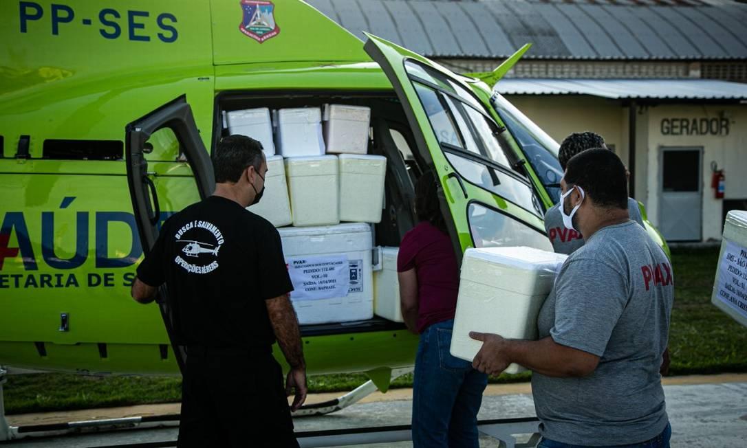 Estado começou neste domingo distribuição de itens do chamato kit intubação, adquiridos através do Ministério da Saúd Foto: Hermes de Paula em 18-4-2021 / Agência O Globo