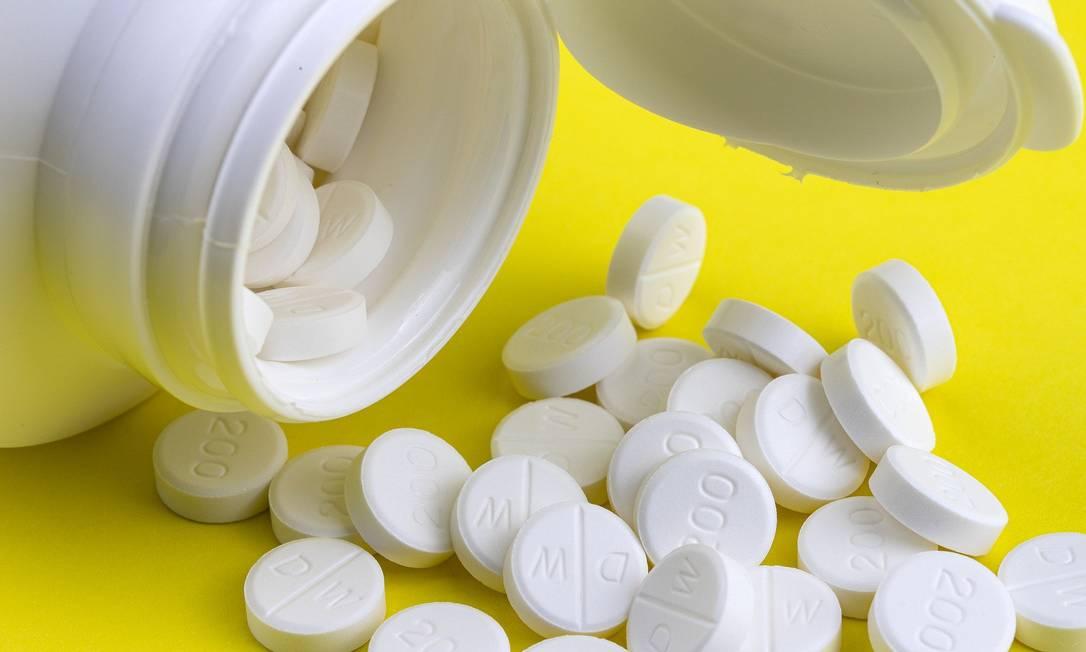 Remédios antirretrovirais de hoje apresentam menos efeitos colaterais que os de 20 anos atrás. Foto: Pixabay