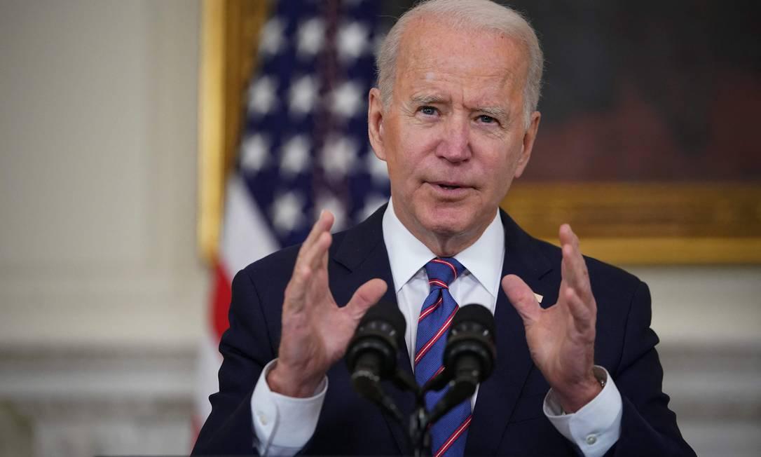 O presidente Joe Biden: expectativa é que os EUA apresentem na cúpula meta ambiciosa para reduzir emissão de gases estufa até 2030 Foto: MANDEL NGAN/AFP/2-4-2021