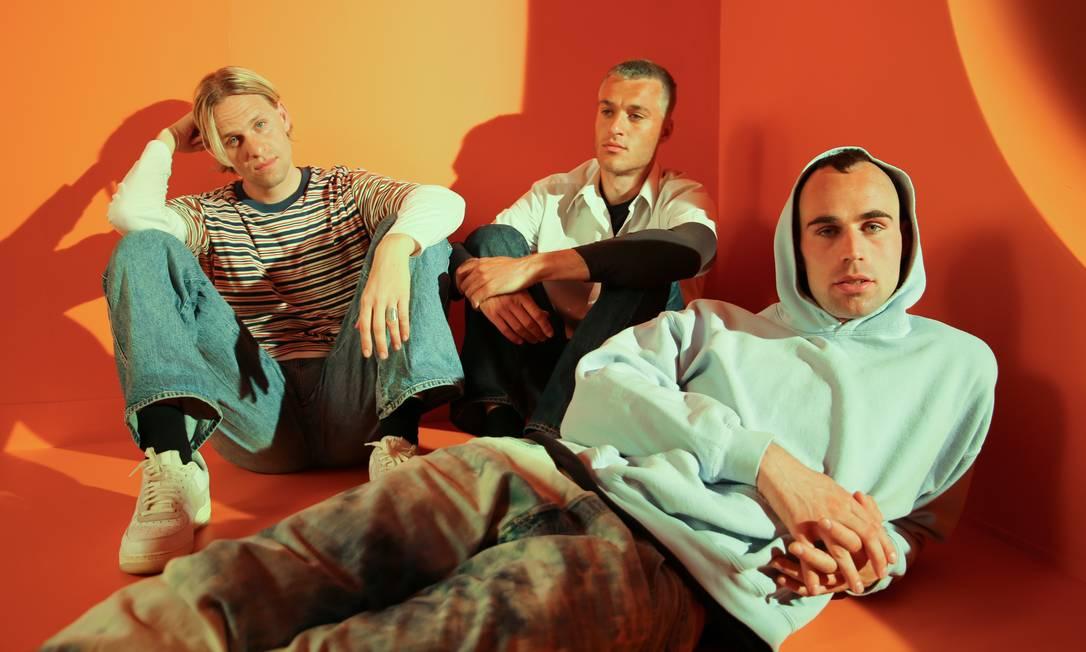 Emil Goll, Alexander Malone e Joachim Dencker formam o trio pop dinamarquês Scarlet Pleasure, impulsionado pela trilha de 'Druk' Foto: Divulgação/Elke Numeyer