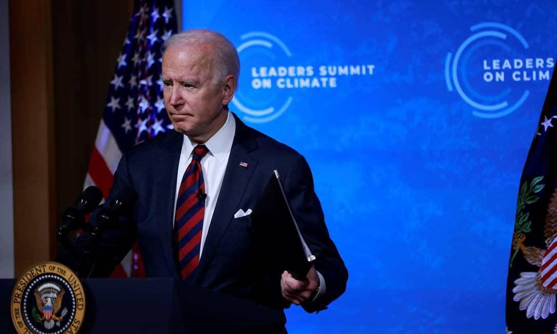 O presidente dos EUA, Joe Biden, participa de uma Cúpula do Clima virtual com líderes mundiais no Salão Leste da Casa Branca, em Washington. Biden promete emissão zero de gases nos EUA até 2050 Foto: TOM BRENNER / REUTERS