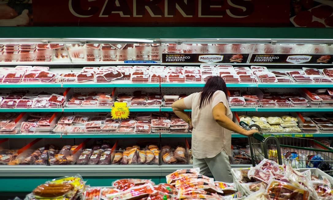 Preço da carne acumula alta de 31% em 12 meses, cinco vezes maior que a taxa de inflação oficial do país Foto: Victor Moriyama / Bloomberg