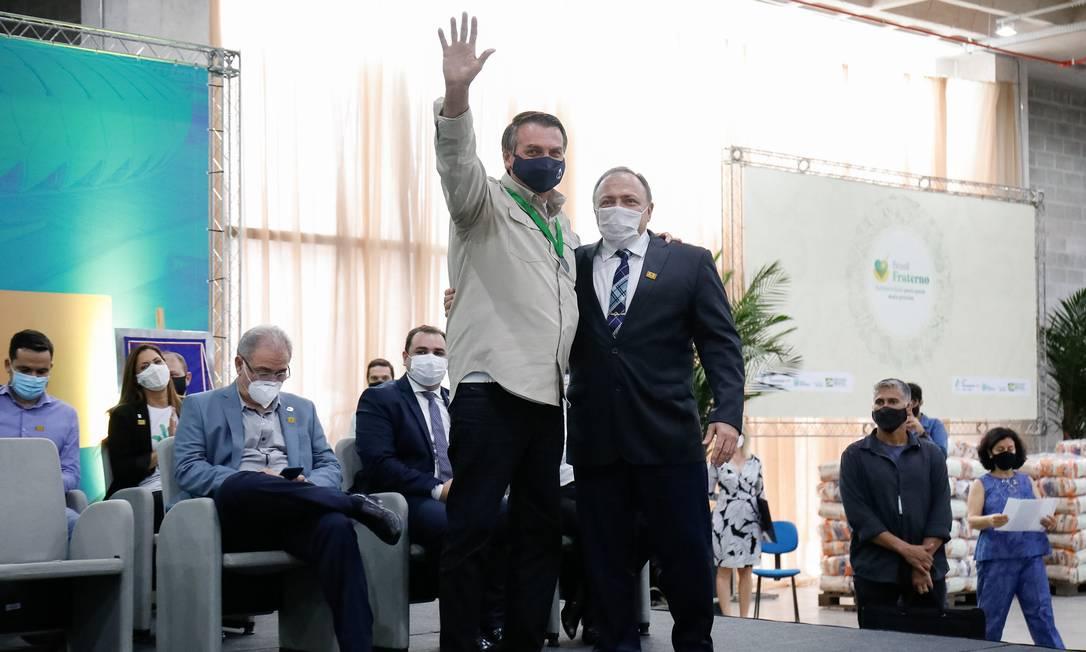 O presidente Jair Bolsonaro e o ex-ministro Eduardo Pazuello, durante evento em Manaus Foto: Alan Santos/Presidência