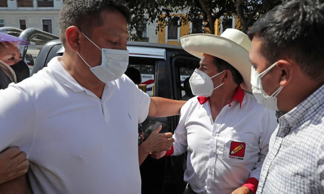 Pedro Castillo tenta distanciar sua imagem da do líder do seu partido, o ex-governador Vladimir Cerrón Foto: Sebastian Castaneda / Reuters