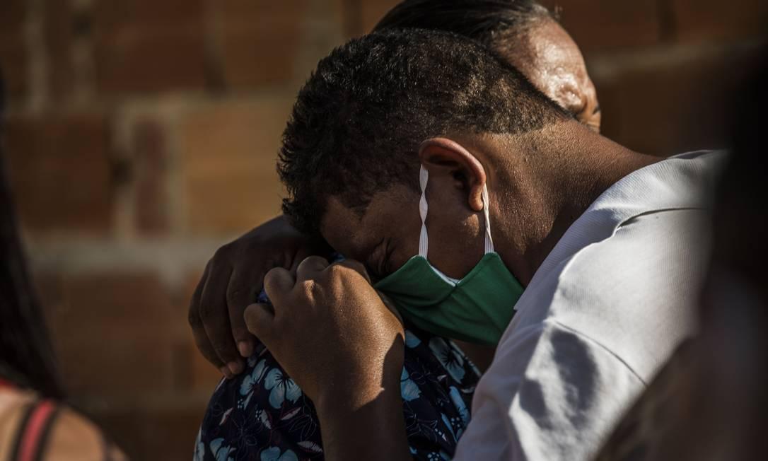 Roger da Rocha, pai de Ketelen Vitória, vítima de violência doméstica Foto: Guito Moreto / Agência O Globo