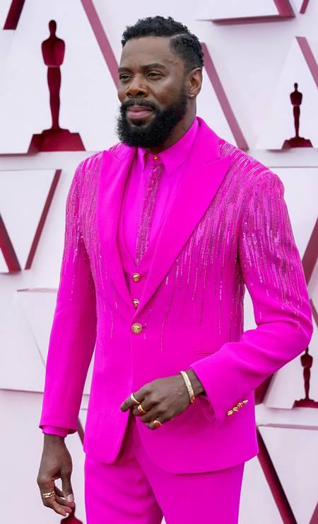 Colman Domingo brilhou muito com seu pink Foto: Pool / Getty Images