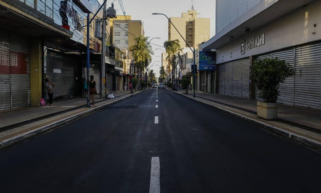 Centro de Araraquara durante o lockdown na cidade Foto: Edilson Dantas / Agência O Globo