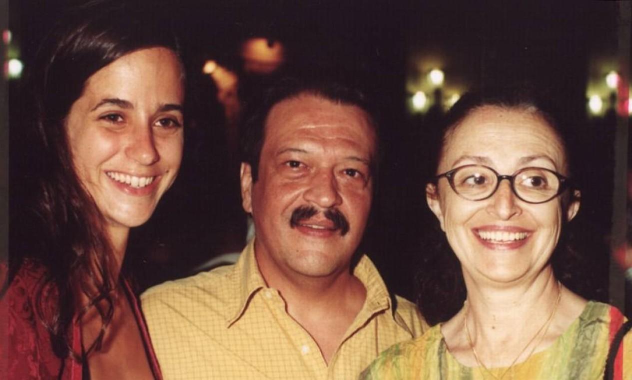Mariana Lima, Luís Mello e Ana Lúcia Torre, em noite de estréia teatral no Centro Cultural Banco do Brasil Foto: Armando Araújo /