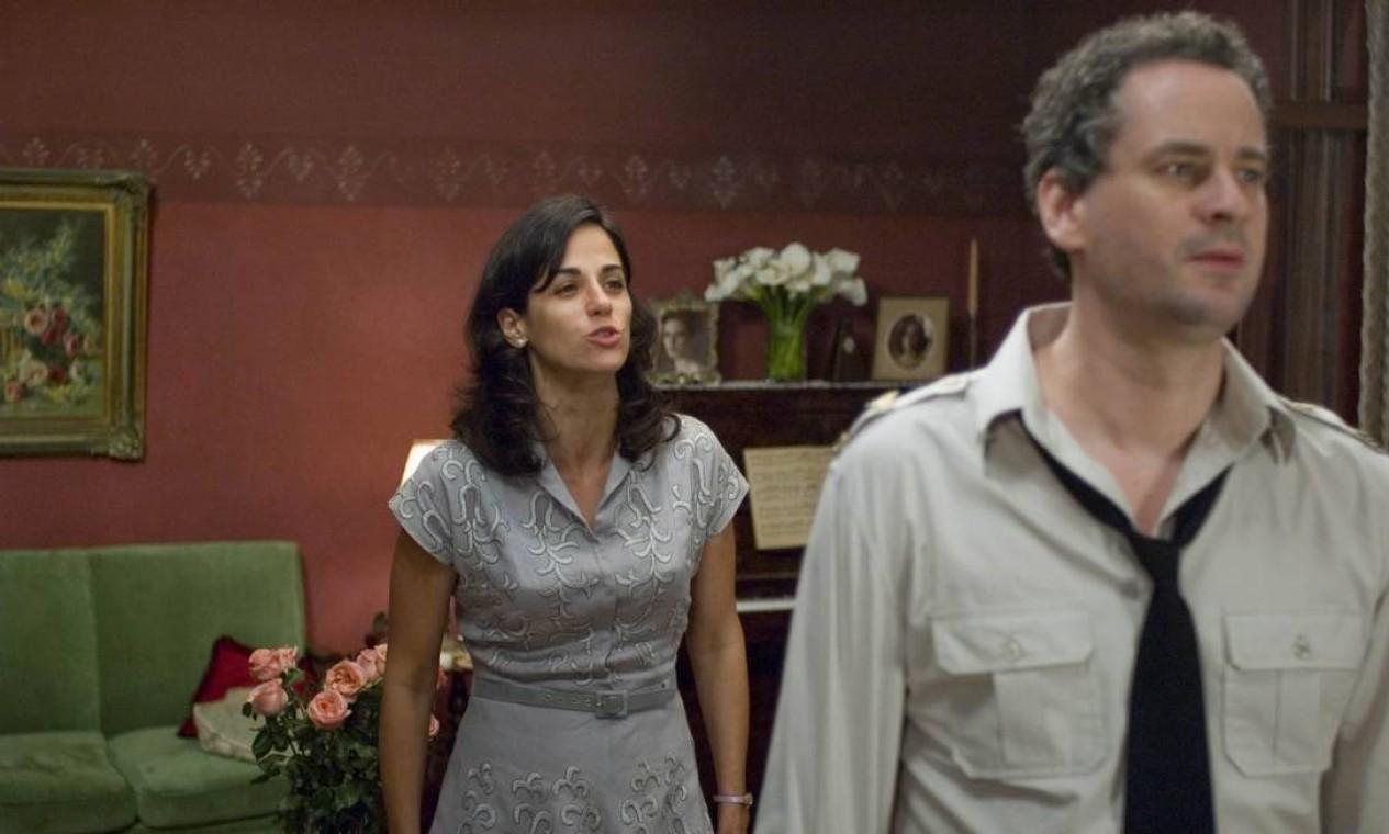 """Mariana Lima com Dan Stulbach em """"Máquina de abraçar"""", filme de Arnaldo Jabor Foto: Divulgação"""