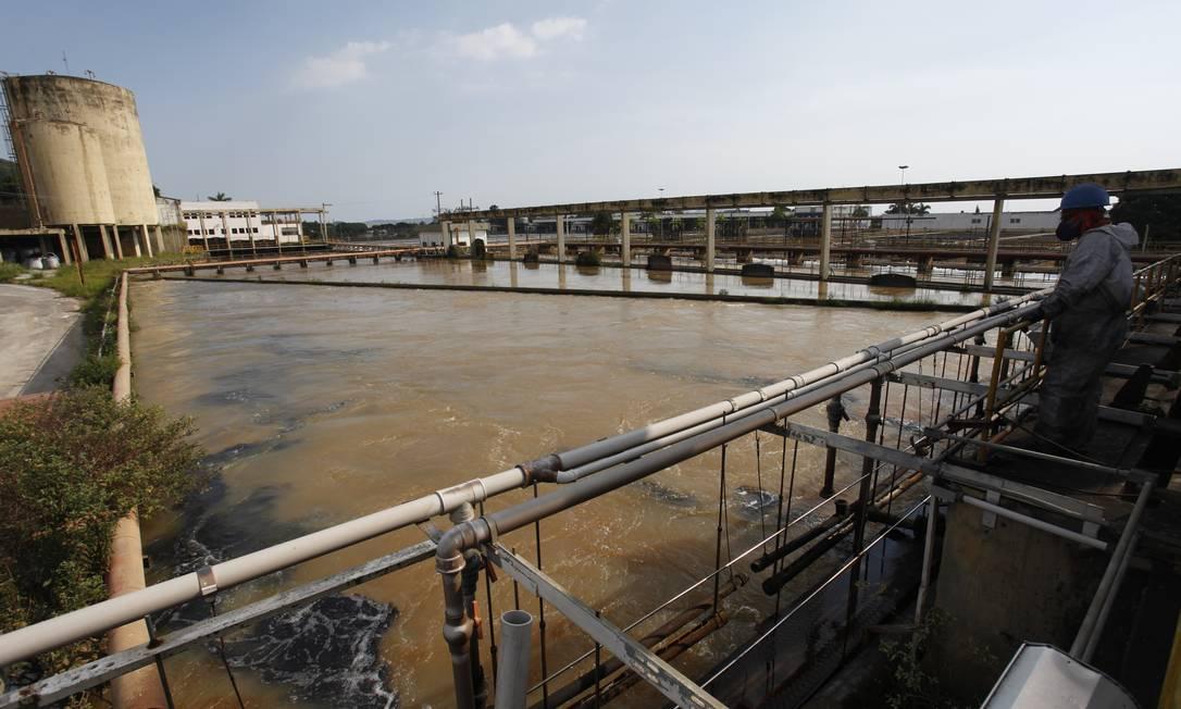 A Estação de Tratamento de Água do Guandu Foto: Luís Alvarenga / Agência O Globo