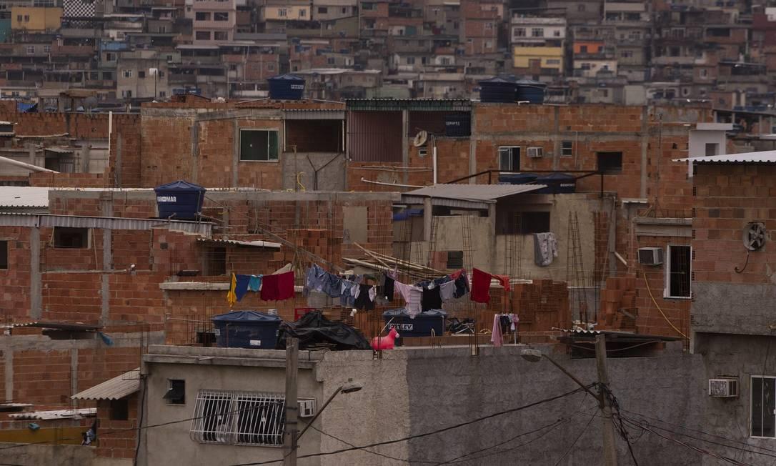 O Complexo da Maré, na Zona Norte do Rio Foto: Gabriel Monteiro / Agência O Globo