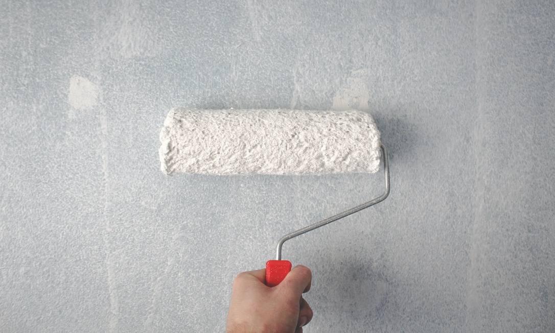Pintar as paredes de cores claras ajuda a iluminar o ambiente e reduzir consumo de energia Foto: Pexels